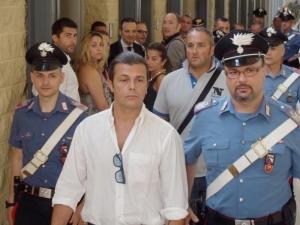 Gianluca Grignani in Tribunale a Rimini (dopo l'arresto a Riccione)